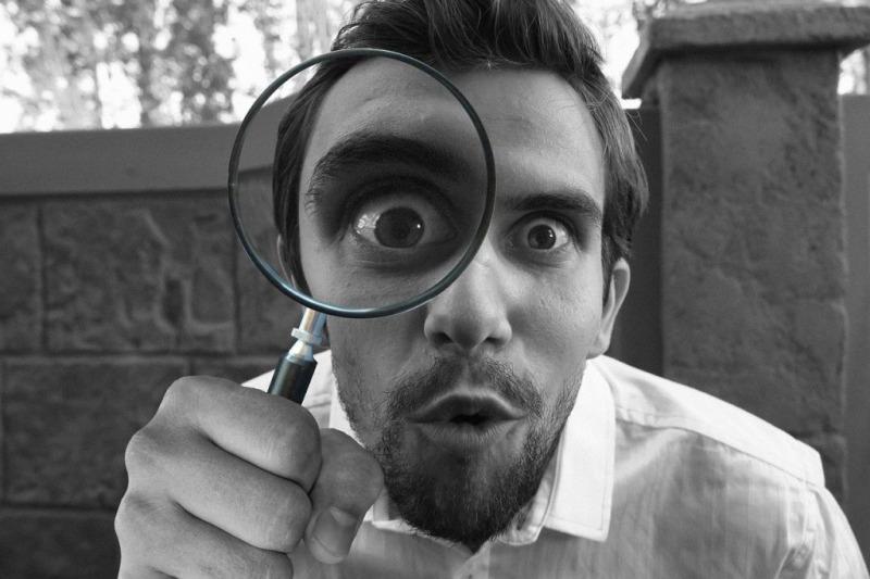 虫眼鏡で問題の洗い出し